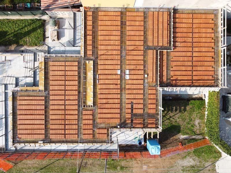 share studio architettura cantiere in corso casa per famiglia numerosa